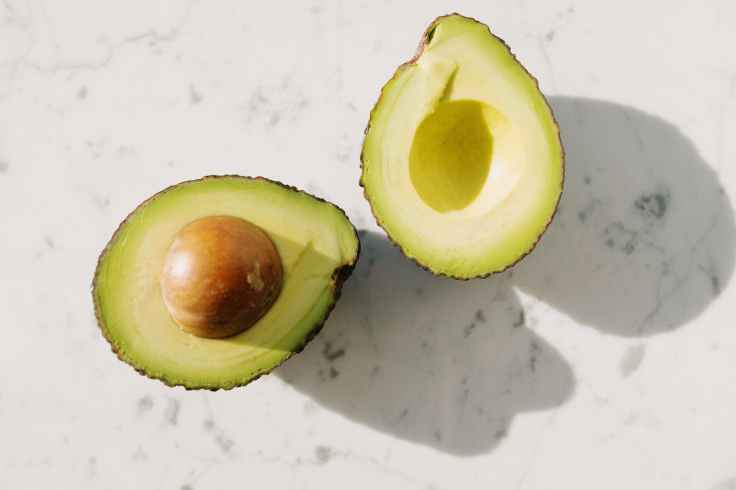 The fat in avocados is great for reducing inflammation in a Sjogren's Syndrome diet.